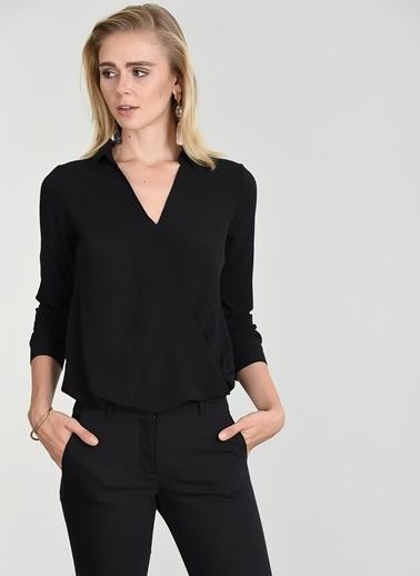 People By Fabrika Kruvaze Kapamalı Bluz Siyah